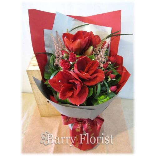 BOU 0073 高貴紅色朱頂蘭 + 紅色小玫瑰 + 季節性襯花