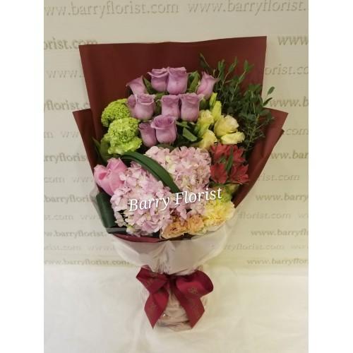 BOU 0142   10支紫色玫瑰+1支粉繡球+襯花